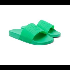 Gucci embossed logo slide green